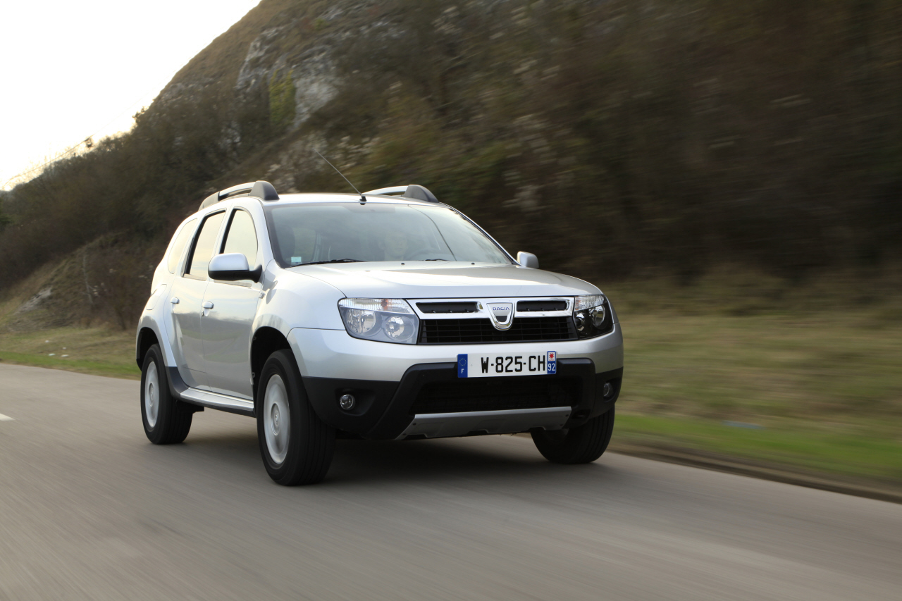 dacia corrige la jauge carburant du duster l 39 argus. Black Bedroom Furniture Sets. Home Design Ideas