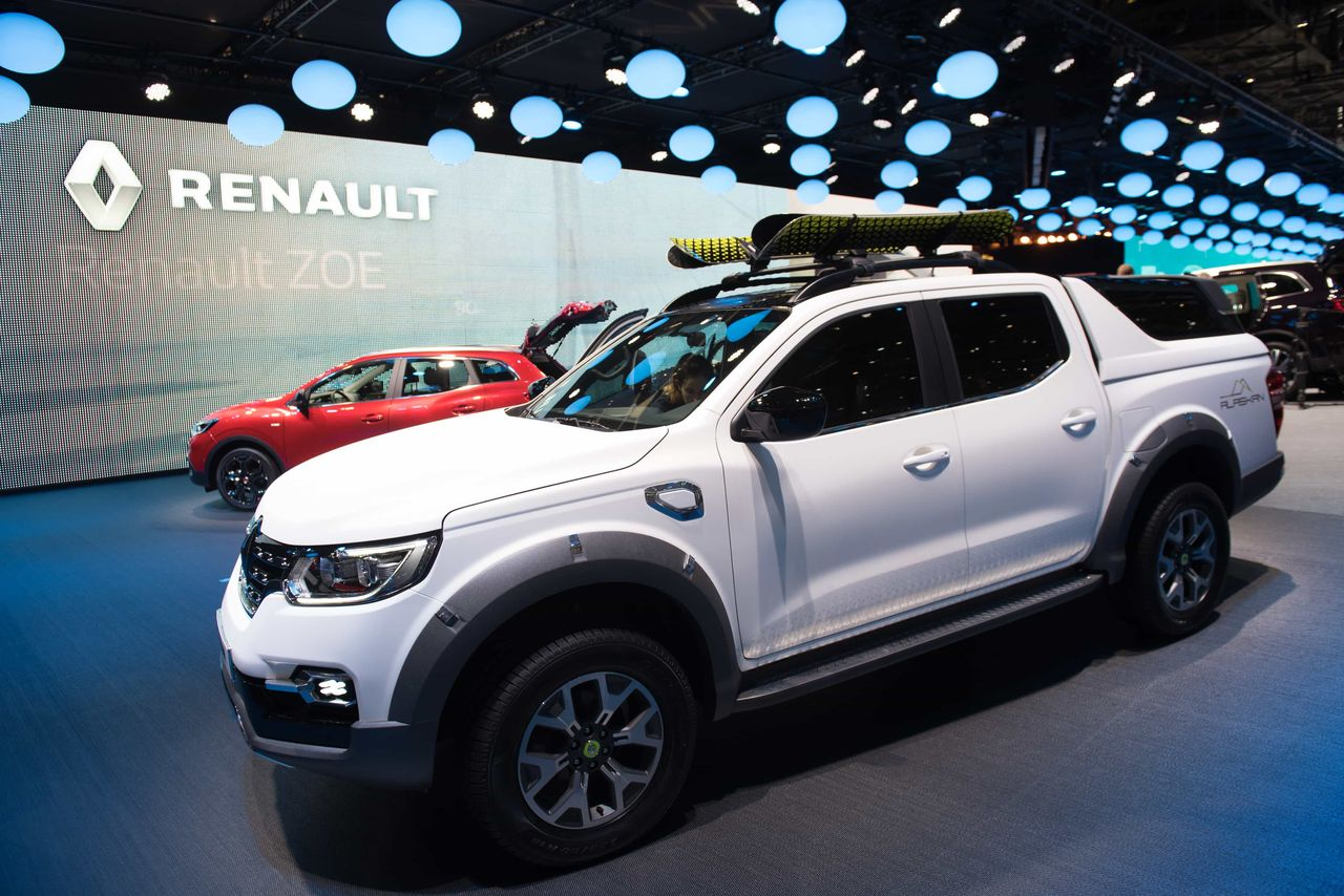 renault alaskan le pick up d voile ses accessoires. Black Bedroom Furniture Sets. Home Design Ideas