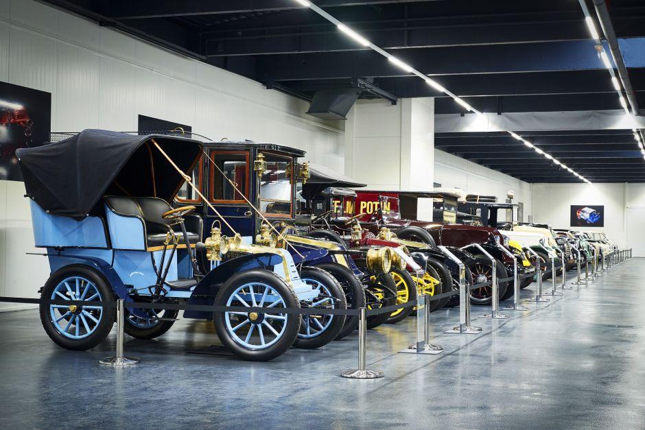 120 ans de renault visite guid e du garage renault for Garage renault rosieres aux salines