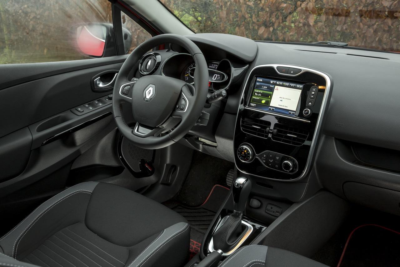 Essai Comparatif Renault Clio Face 224 La Peugeot 208 Duel