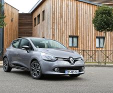 Renault Clio 4 grise avant