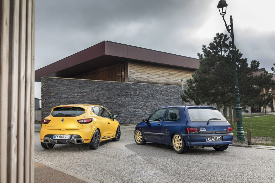 renault clio williams vs clio rs trophy le match en 40 photos photo 12 l 39 argus. Black Bedroom Furniture Sets. Home Design Ideas