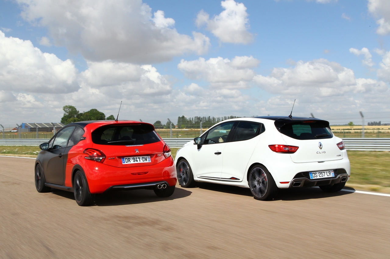 essai comparatif renault clio rs trophy vs 208 gti by peugeot sport photo 88 l 39 argus. Black Bedroom Furniture Sets. Home Design Ideas