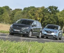 Renault Espace vs Ford S-Max 2015