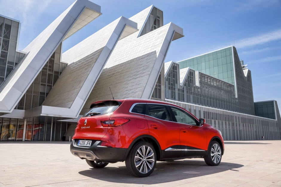 essai renault kadjar 2015 le test du nouveau suv renault photo 5 l 39 argus. Black Bedroom Furniture Sets. Home Design Ideas