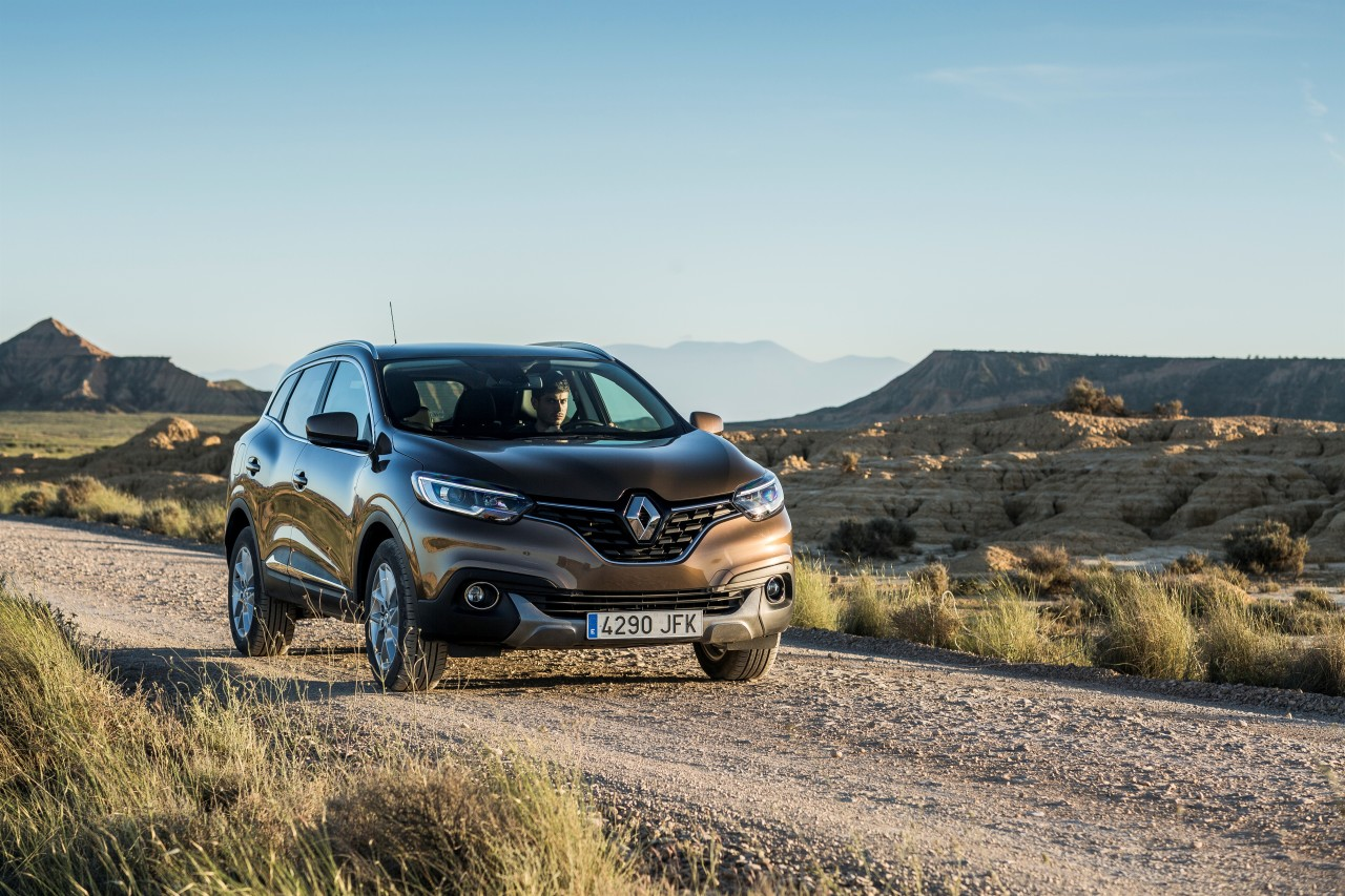 renault kadjar 2015 d couvrez le nouveau suv renault en action photo 11 l 39 argus. Black Bedroom Furniture Sets. Home Design Ideas