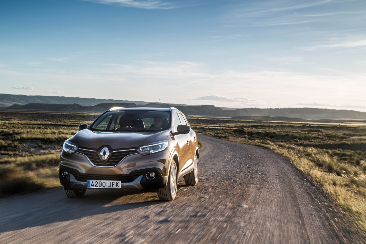 renault kadjar 2015 d couvrez le nouveau suv renault en action photo 12 l 39 argus. Black Bedroom Furniture Sets. Home Design Ideas