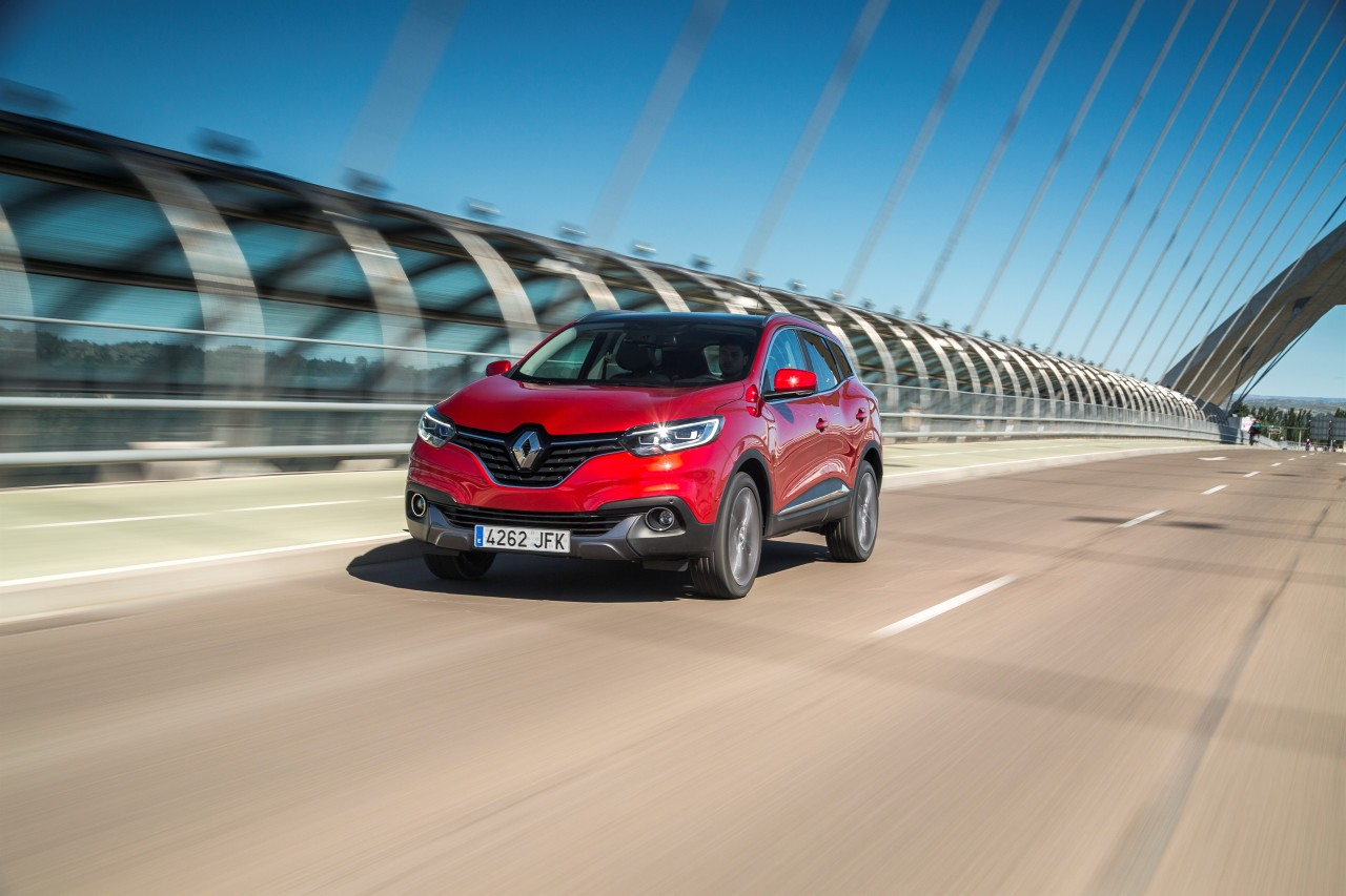 renault kadjar 2015 d couvrez le nouveau suv renault en action photo 17 l 39 argus. Black Bedroom Furniture Sets. Home Design Ideas