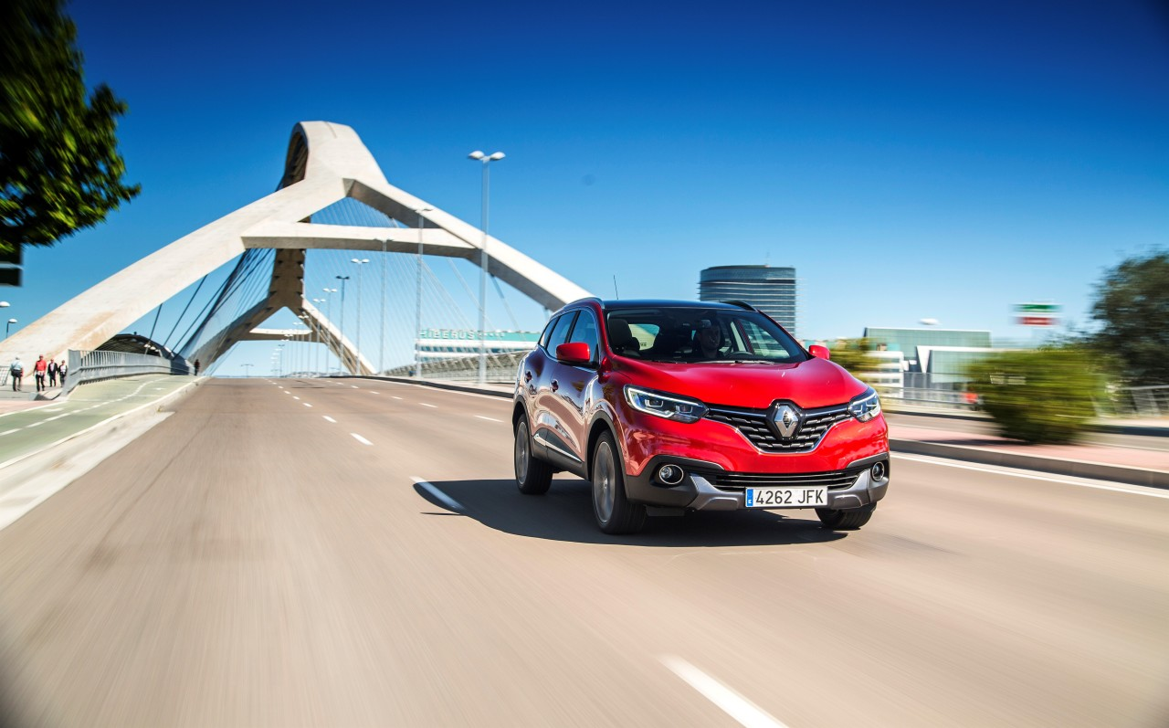 renault kadjar 2015 d couvrez le nouveau suv renault en action photo 20 l 39 argus. Black Bedroom Furniture Sets. Home Design Ideas