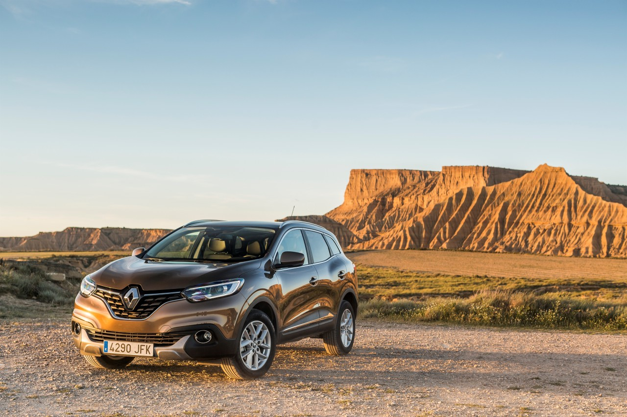 renault kadjar 2015 d couvrez le nouveau suv renault en action photo 7 l 39 argus. Black Bedroom Furniture Sets. Home Design Ideas