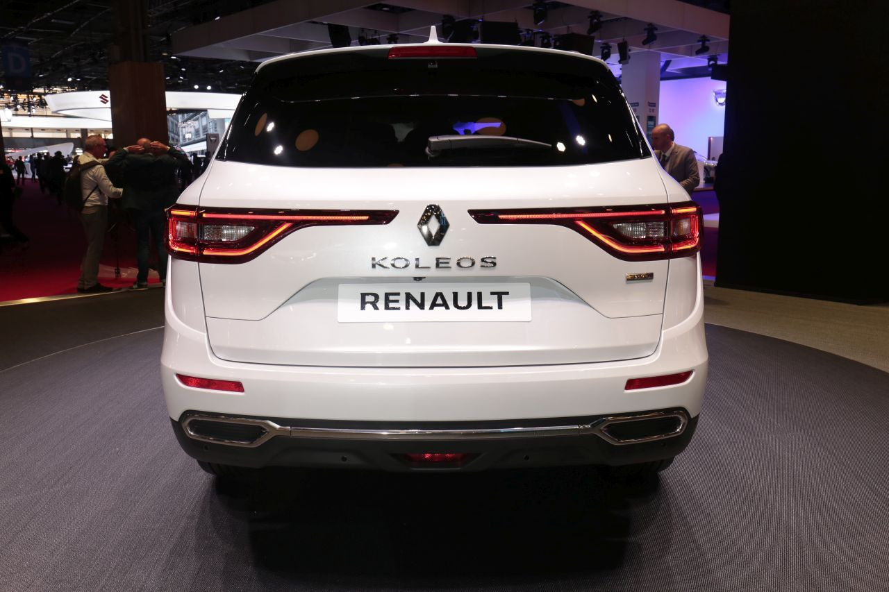 renault koleos initiale paris au mondial 2016 impressions bord photo 5 l 39 argus. Black Bedroom Furniture Sets. Home Design Ideas