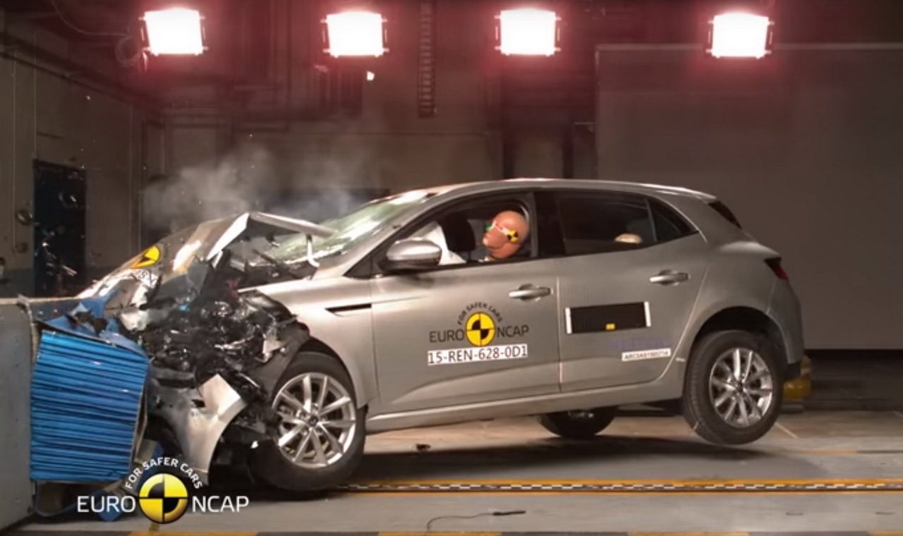 renault m gane 4 5 toiles au crash test euroncap 2015 photo 2 l 39 argus. Black Bedroom Furniture Sets. Home Design Ideas