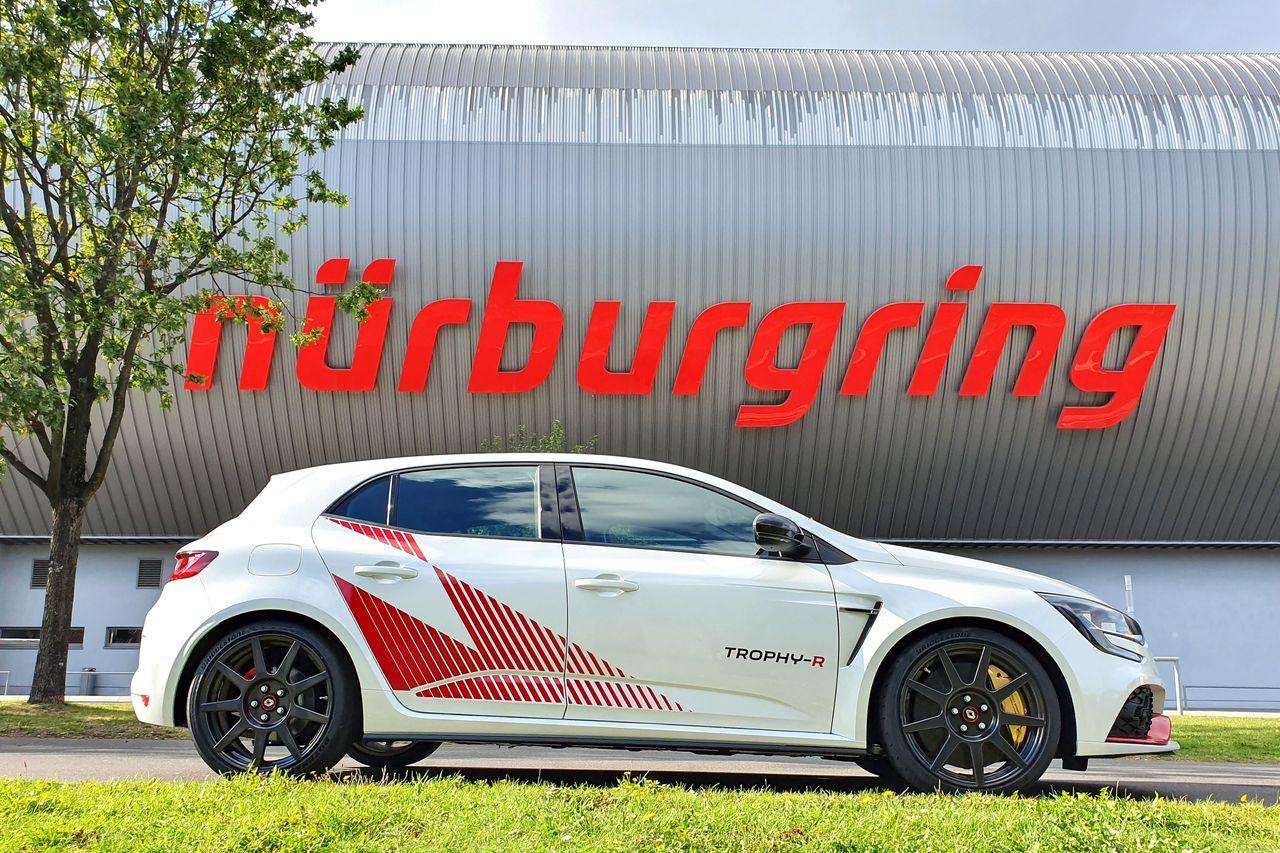 2017 - [Renault] Megane IV R.S. - Page 35 Renault-megane-rs-trophy-2020-02