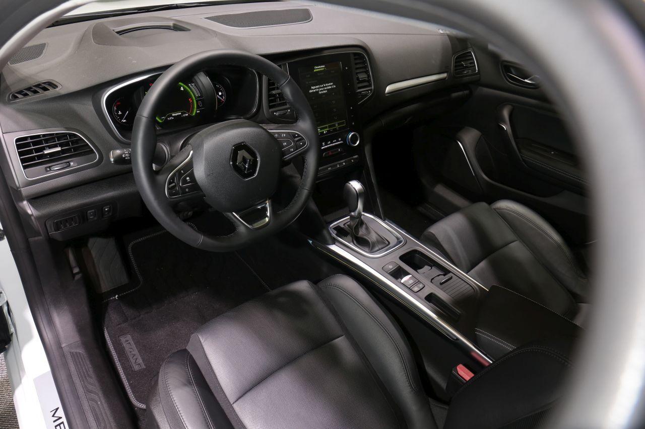 Renault m gane sedan 2016 la m gane 4 portes se for Megane 4 interieur