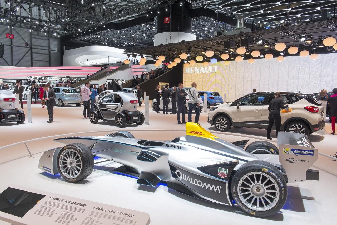 Renault spark srt 01 la formule 1 100 lectrique by for Formule 1 salon de provence