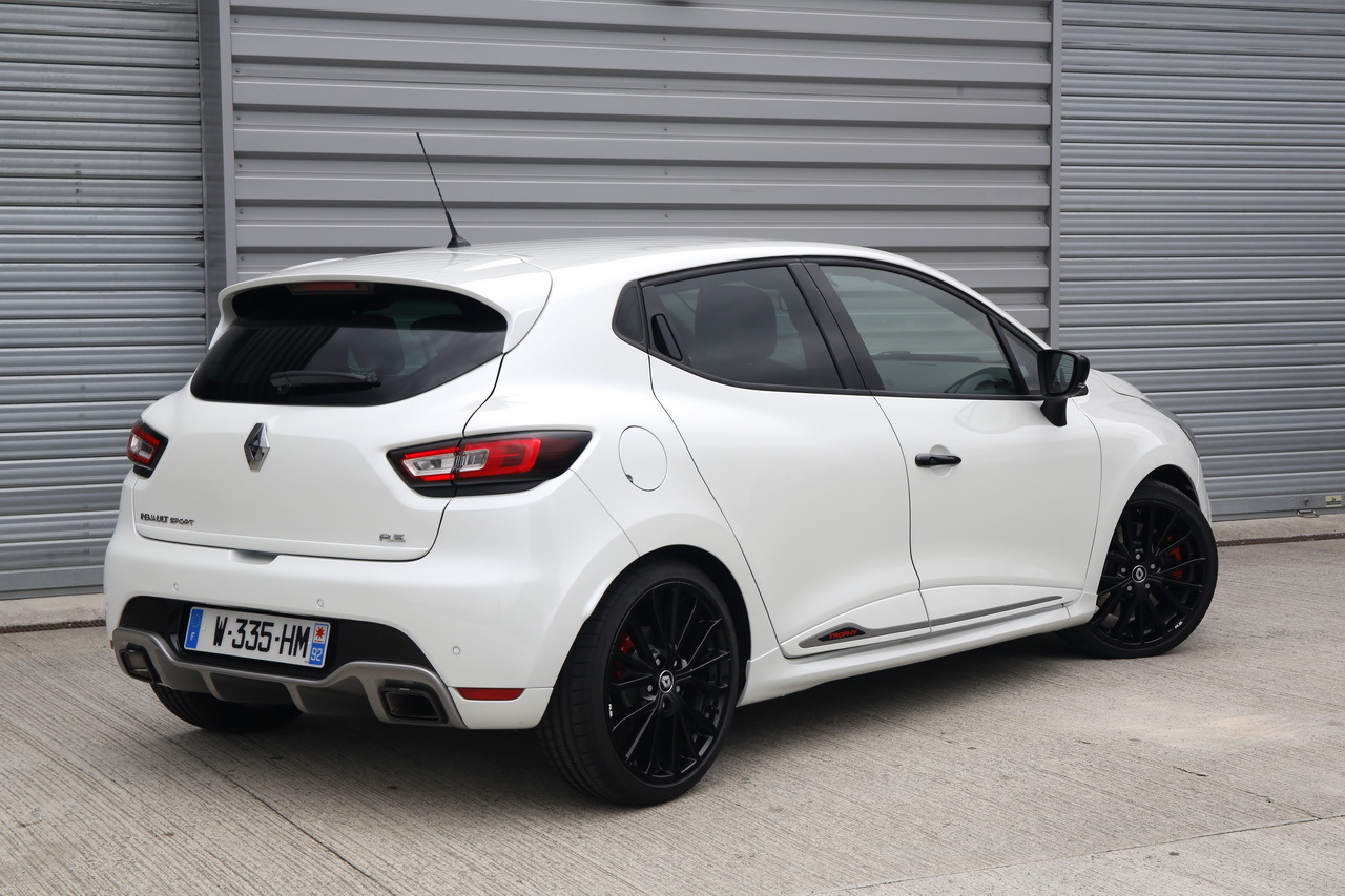 essai clio rs trophy 2016 un restylage sans d rapage photo 21 l 39 argus. Black Bedroom Furniture Sets. Home Design Ideas