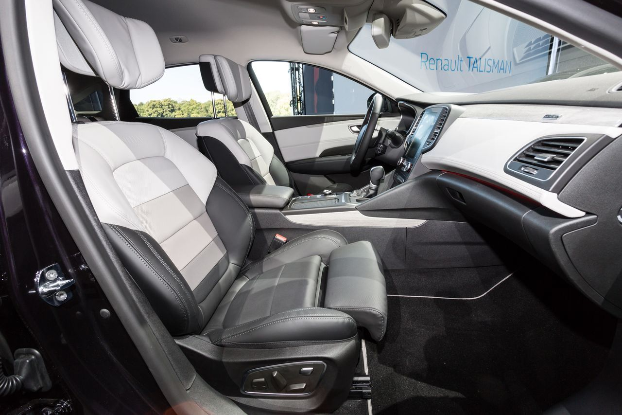 renault talisman initiale paris la plus premium des talisman photo 19 l 39 argus. Black Bedroom Furniture Sets. Home Design Ideas