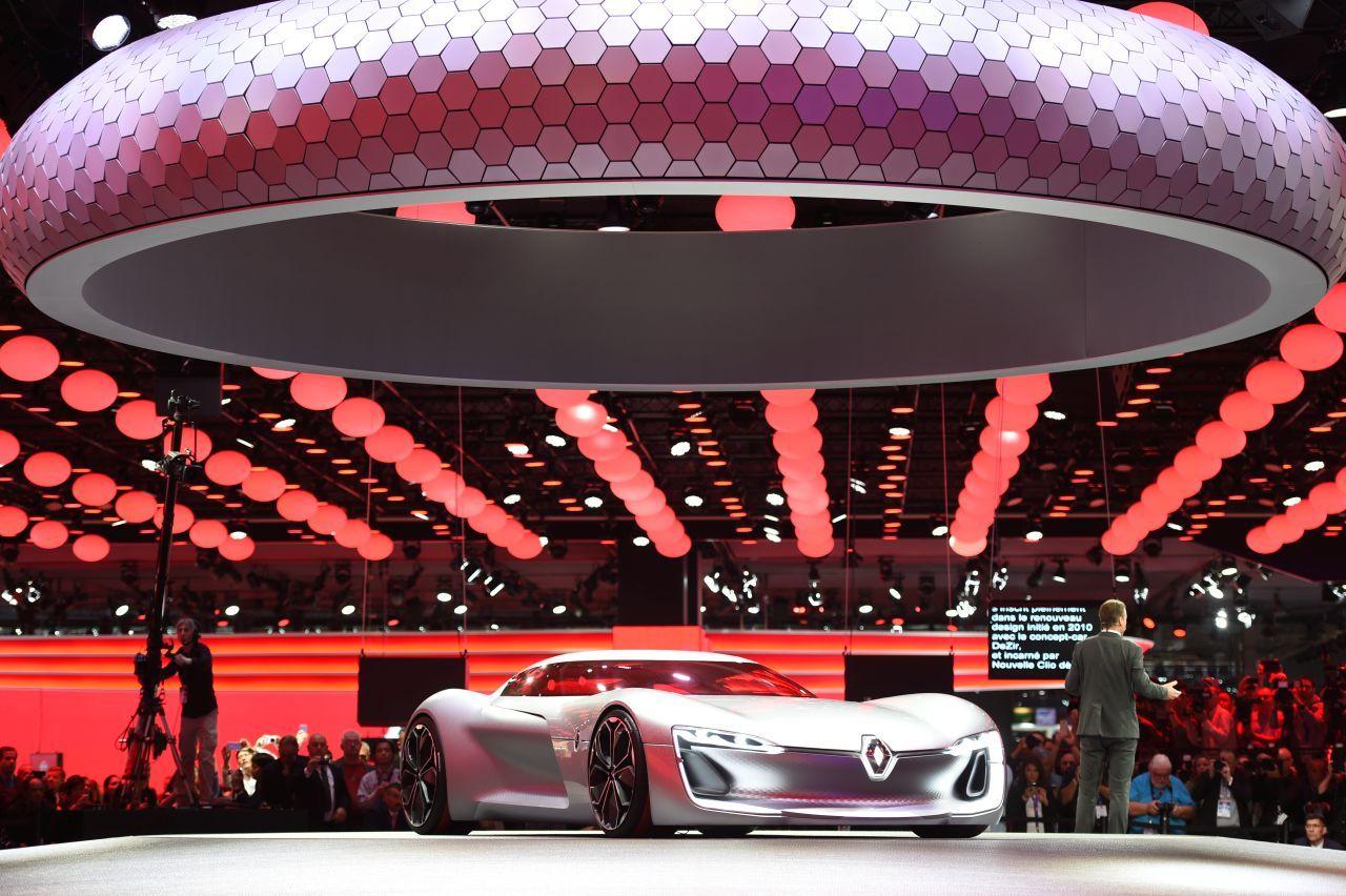 les premi res mondiales au salon de l 39 automobile de paris 2016 renault trezor concept l 39 argus. Black Bedroom Furniture Sets. Home Design Ideas
