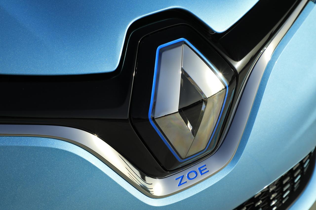 Recherche d'idée pour faire un Logo du forum - Page 6 Renault-zoe-2019-23