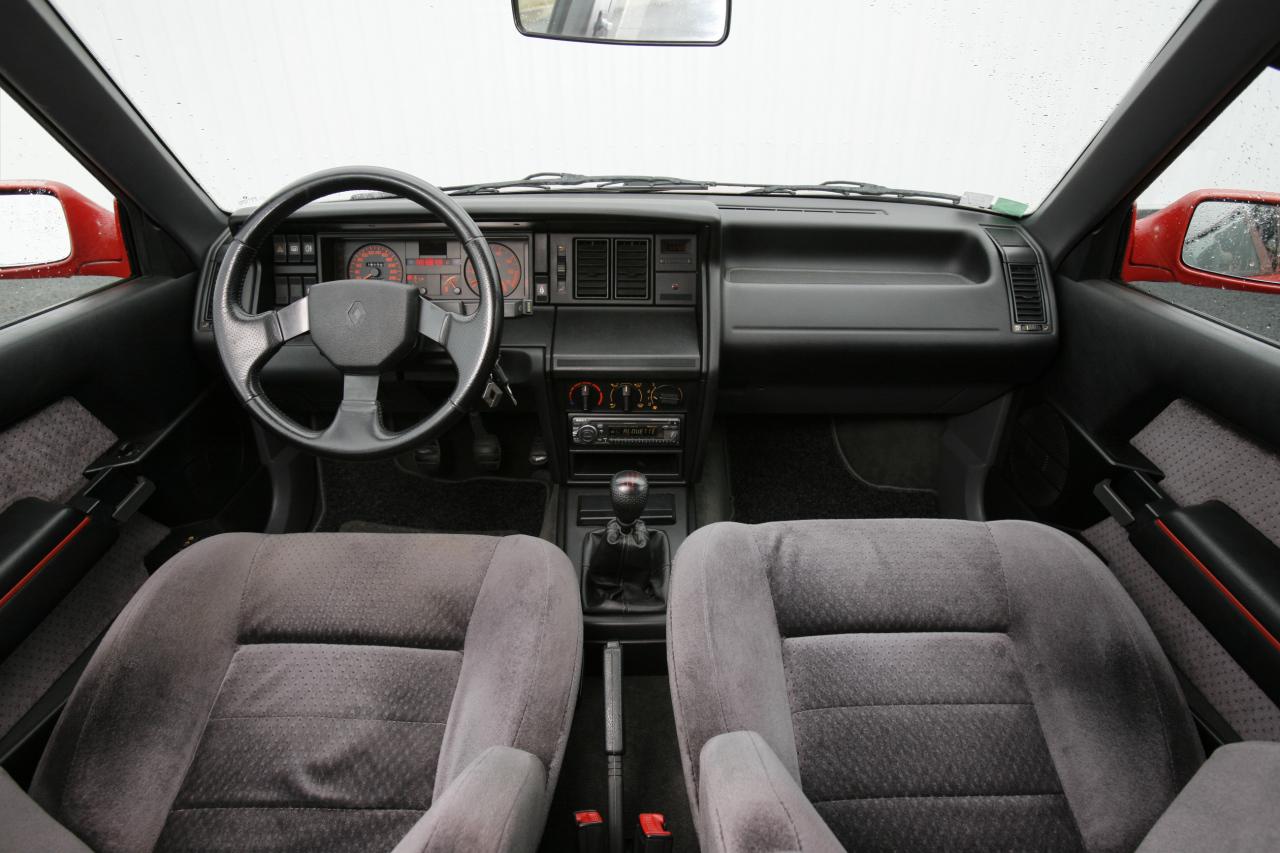 Essai Insolite Renault Laguna Gt Vs Renault 21 Turbo Photo 1 L Argus