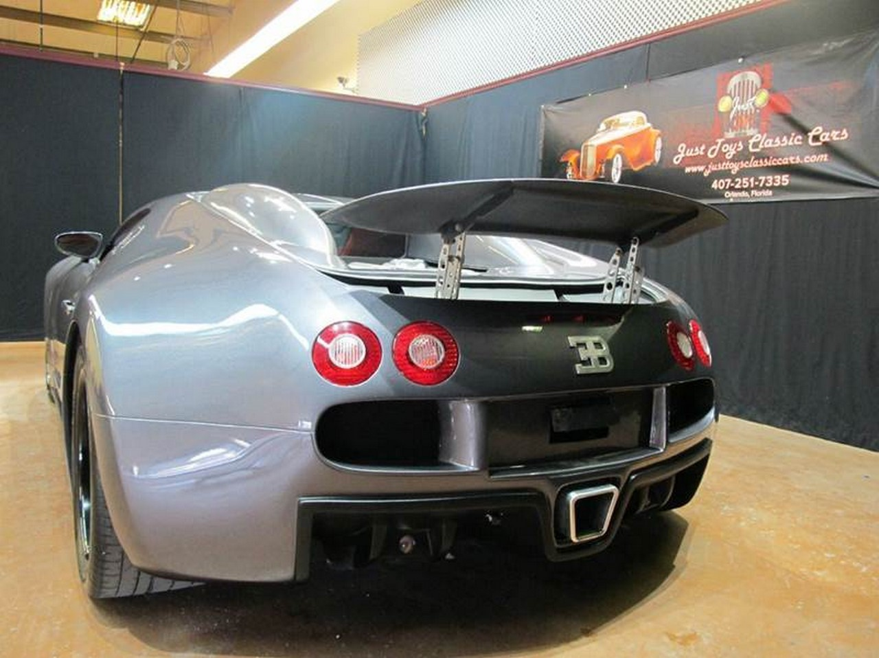 bugatti veyron une r plique aux apparences trompeuses. Black Bedroom Furniture Sets. Home Design Ideas