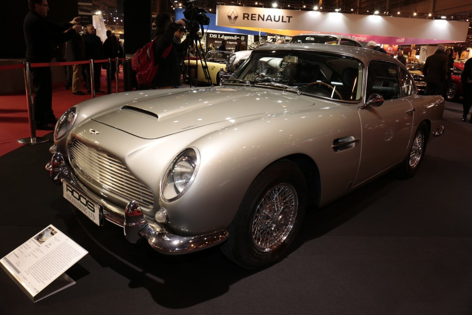 retromobile 2017 le stand aston martin dont celle de james bond aston martin db5 saloon. Black Bedroom Furniture Sets. Home Design Ideas