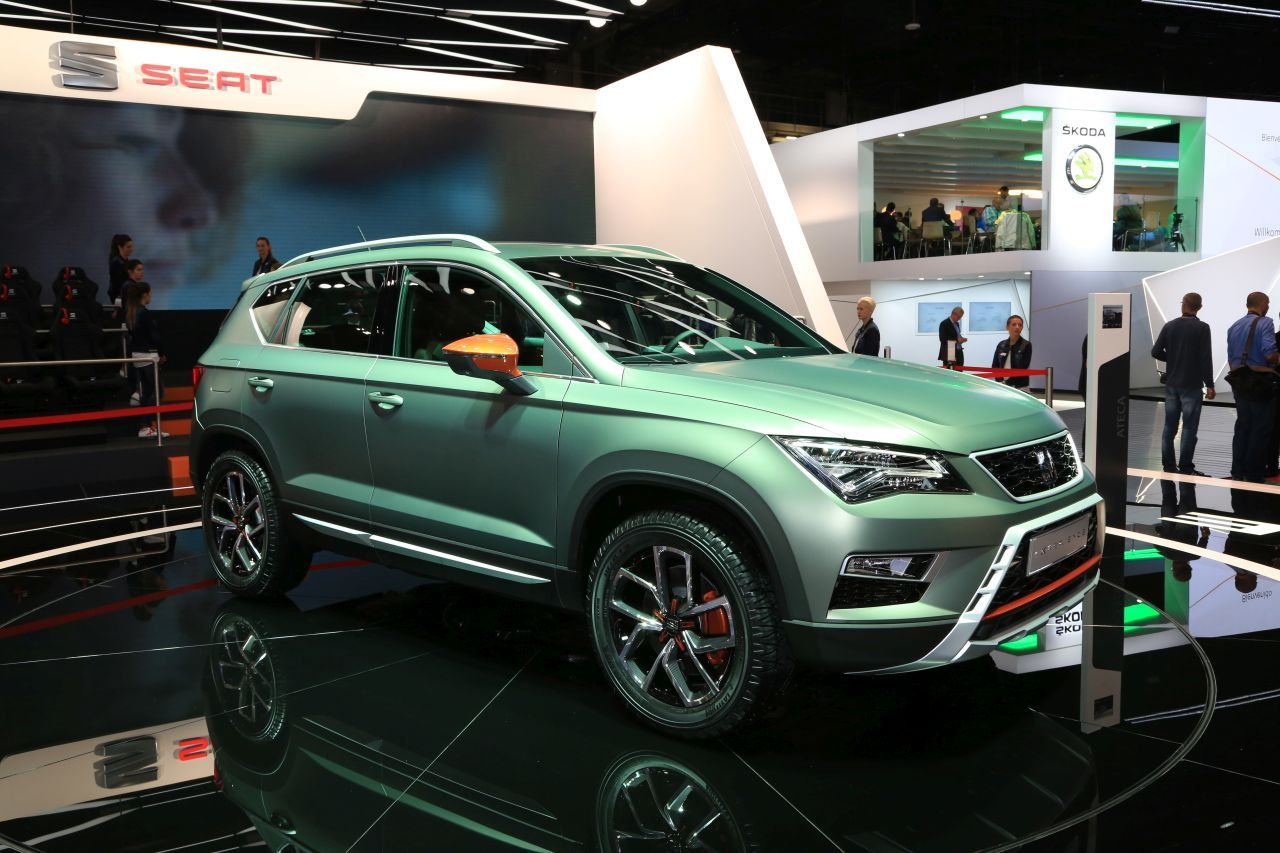 les concept cars du mondial de l 39 automobile 2016 en images seat ateca xperience l 39 argus. Black Bedroom Furniture Sets. Home Design Ideas