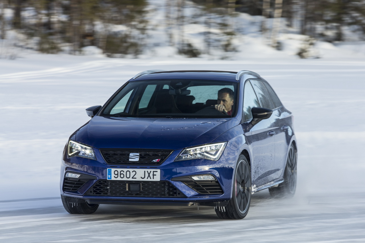 essai seat leon st cupra 4drive notre test sur glace. Black Bedroom Furniture Sets. Home Design Ideas