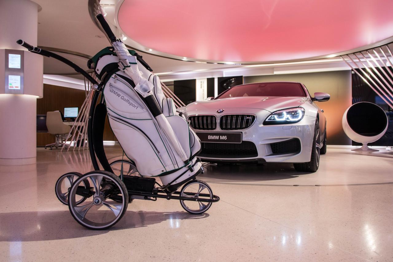 50 id es cadeaux no l pour les petits et grands fans d 39 automobile chariot de golf lectrique. Black Bedroom Furniture Sets. Home Design Ideas