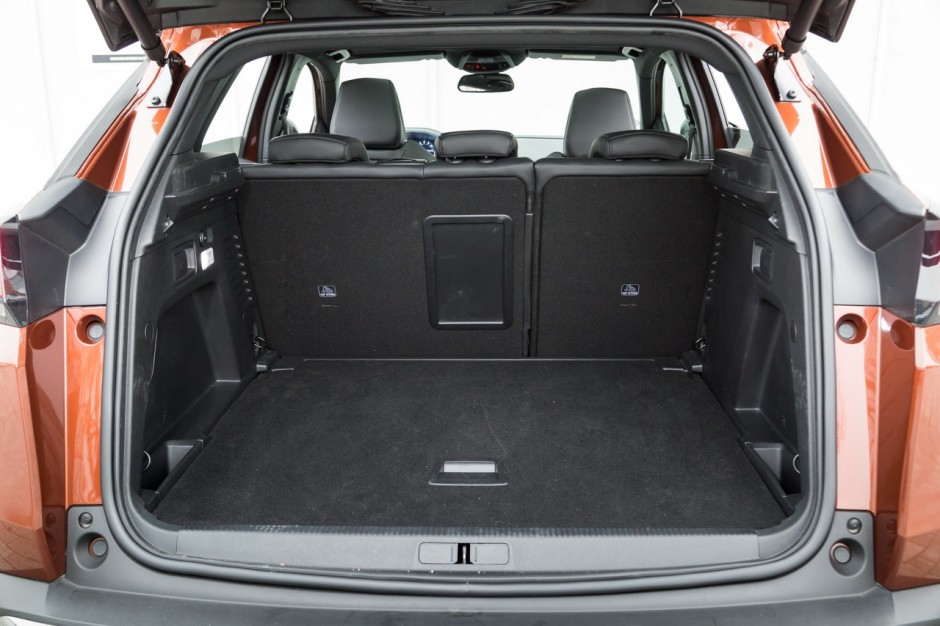 essai comparatif le skoda karoq d fie le peugeot 3008 photo 26 l 39 argus. Black Bedroom Furniture Sets. Home Design Ideas