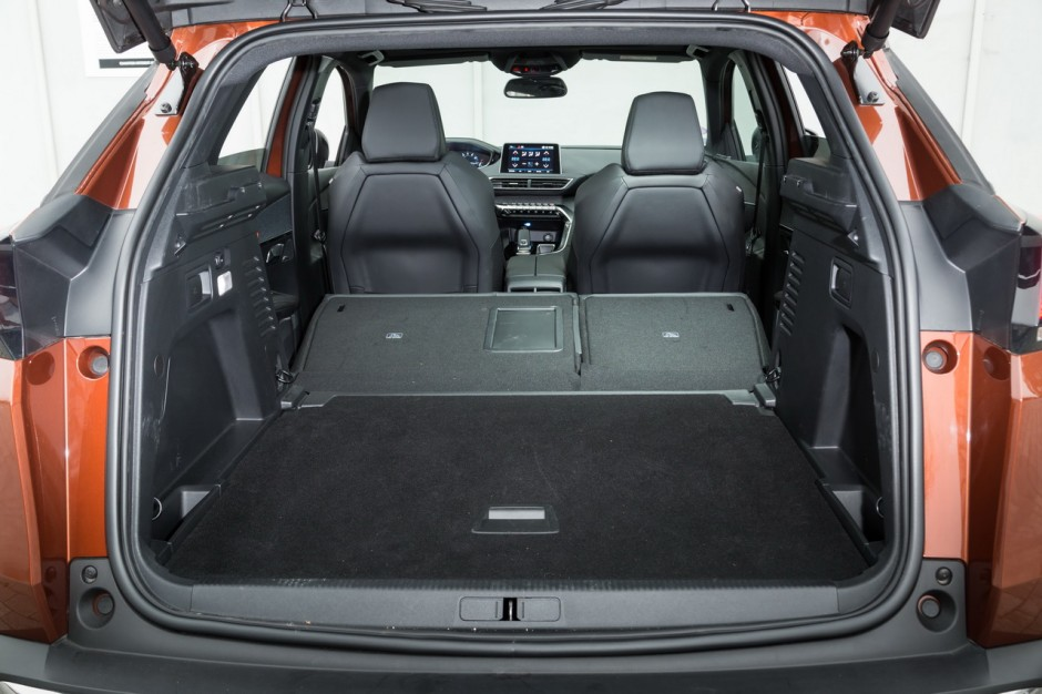 essai comparatif le skoda karoq d fie le peugeot 3008 photo 28 l 39 argus. Black Bedroom Furniture Sets. Home Design Ideas