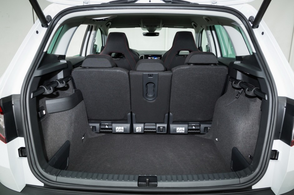 essai comparatif le skoda karoq d fie le peugeot 3008 photo 61 l 39 argus. Black Bedroom Furniture Sets. Home Design Ideas