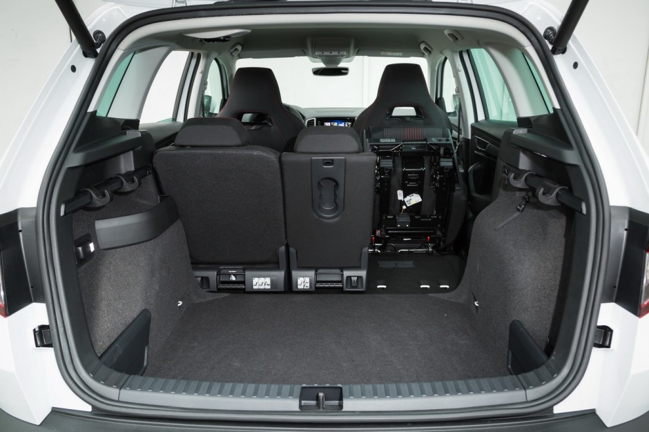 essai comparatif le skoda karoq d fie le peugeot 3008 photo 62 l 39 argus. Black Bedroom Furniture Sets. Home Design Ideas