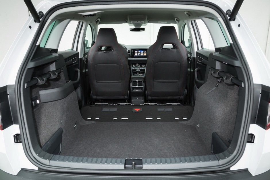 essai comparatif le skoda karoq d fie le peugeot 3008 photo 64 l 39 argus. Black Bedroom Furniture Sets. Home Design Ideas