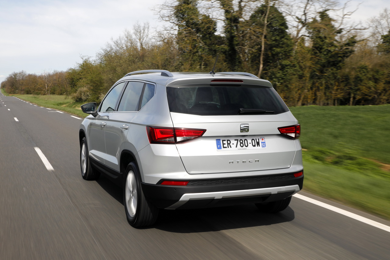 essai comparatif le skoda karoq d fie le seat ateca photo 12 l 39 argus. Black Bedroom Furniture Sets. Home Design Ideas