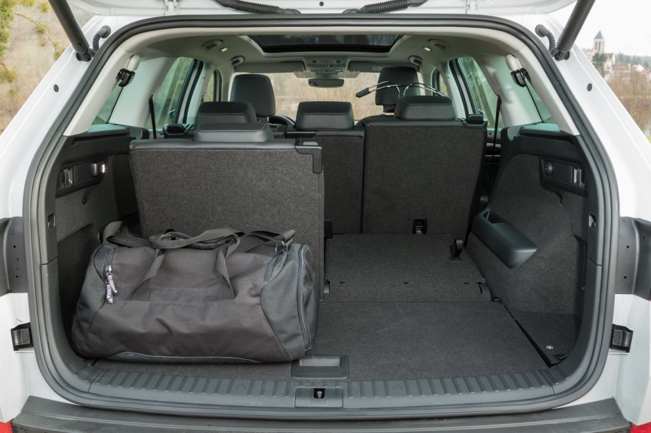 essai comparatif le peugeot 5008 d fie le skoda kodiaq. Black Bedroom Furniture Sets. Home Design Ideas