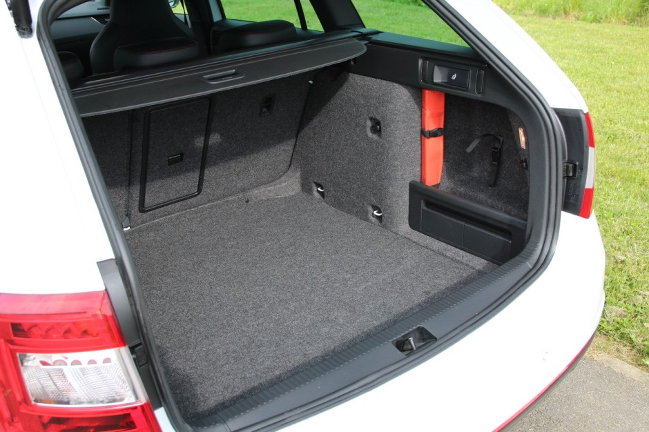 essai skoda octavia rs 230 combi la gti de la famille photo 33 l 39 argus. Black Bedroom Furniture Sets. Home Design Ideas