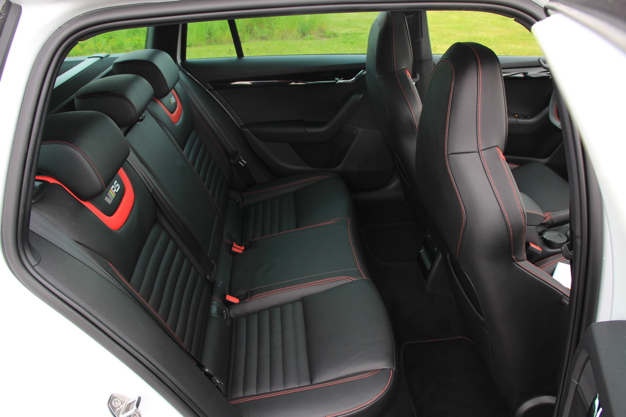 essai skoda octavia rs 230 combi la gti de la famille photo 38 l 39 argus. Black Bedroom Furniture Sets. Home Design Ideas