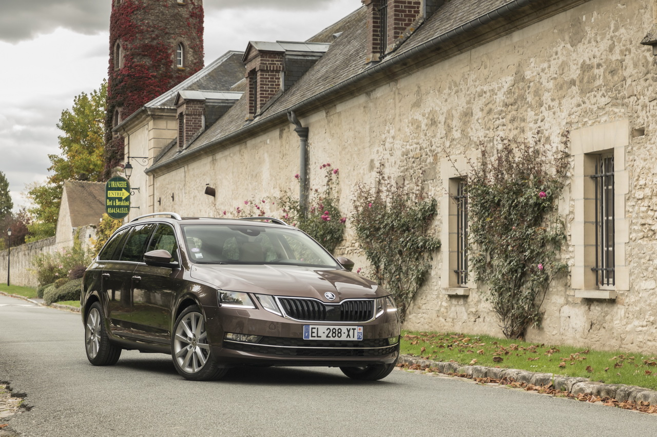 prix skoda octavia 1 5 tsi et s rie limit e clever photo 1 l 39 argus. Black Bedroom Furniture Sets. Home Design Ideas