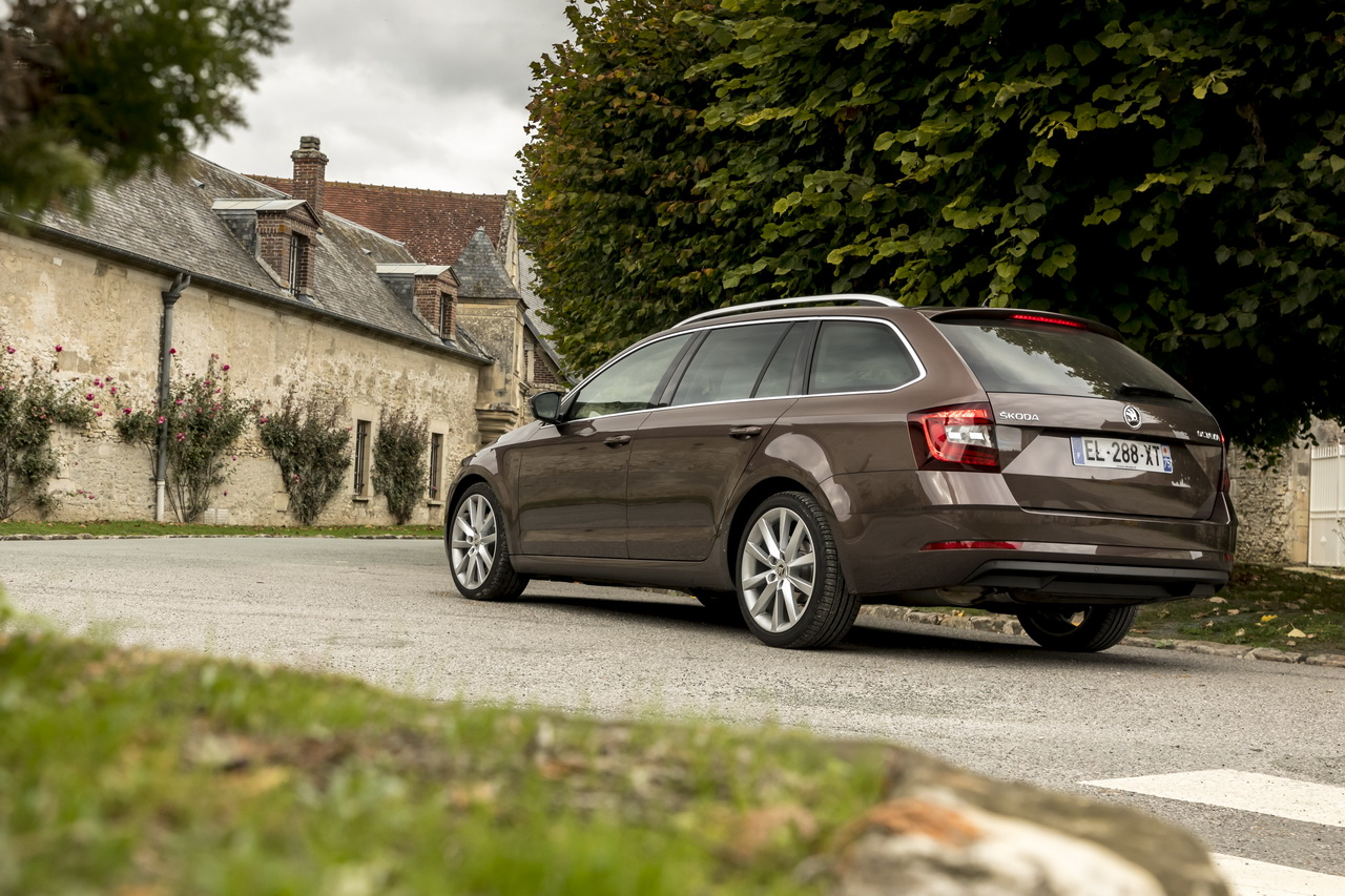 prix skoda octavia 1 5 tsi et s rie limit e clever photo 3 l 39 argus. Black Bedroom Furniture Sets. Home Design Ideas