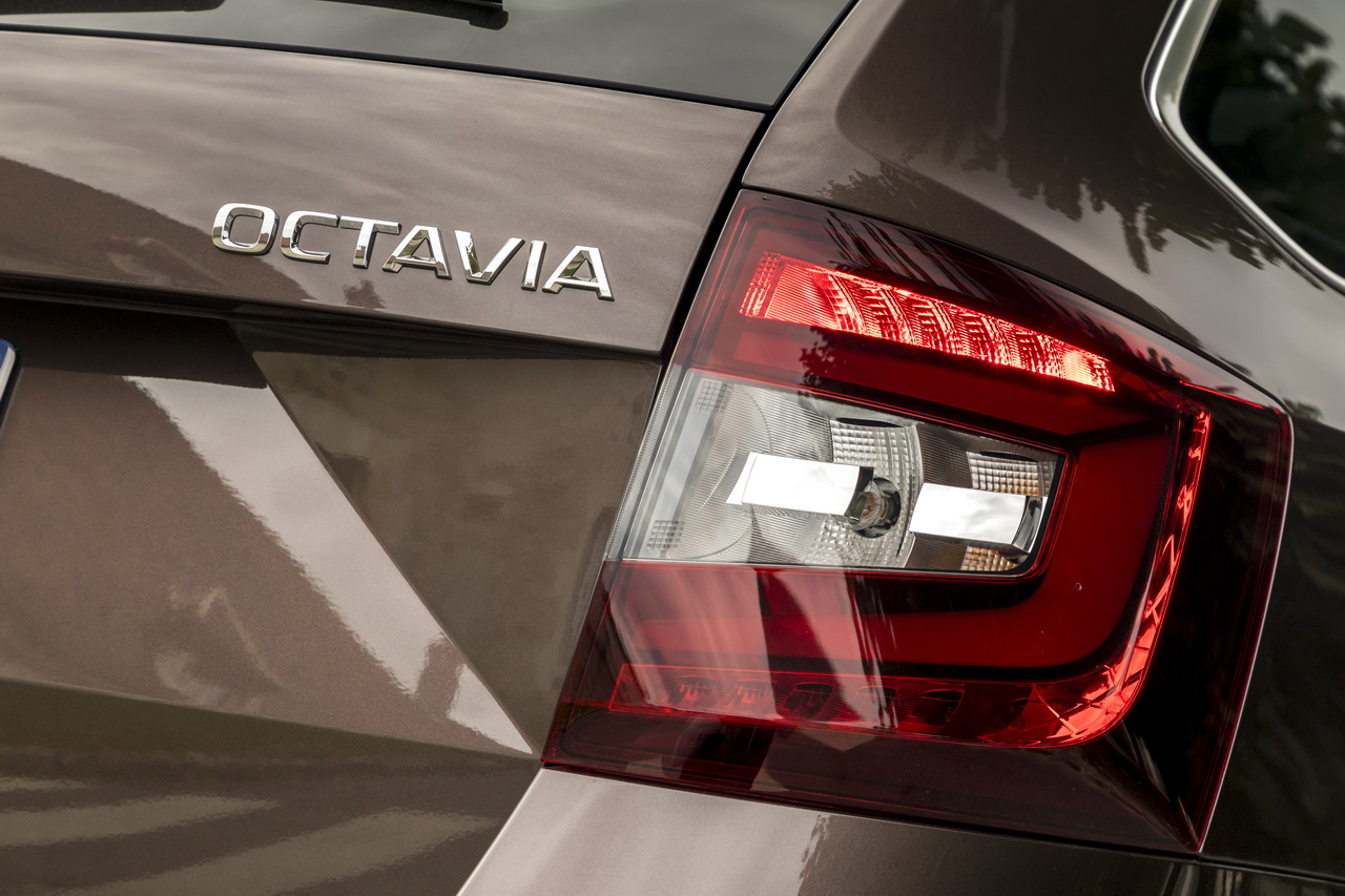 prix skoda octavia 1 5 tsi et s rie limit e clever photo 5 l 39 argus. Black Bedroom Furniture Sets. Home Design Ideas