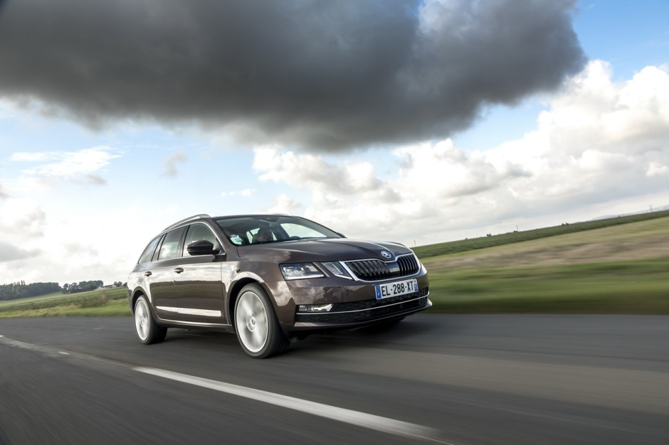 prix skoda octavia 1 5 tsi et s rie limit e clever photo 8 l 39 argus. Black Bedroom Furniture Sets. Home Design Ideas