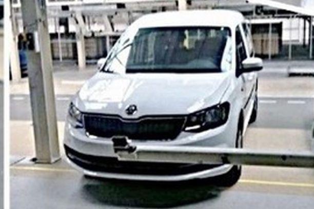 Skoda Roomster 2 2016 Simplement Un Volkswagen Caddy Rebadg 233 L Argus