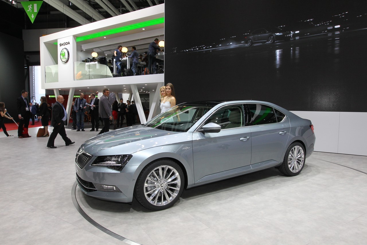 skoda superb la limousine de skoda fait grand effet gen ve l 39 argus. Black Bedroom Furniture Sets. Home Design Ideas