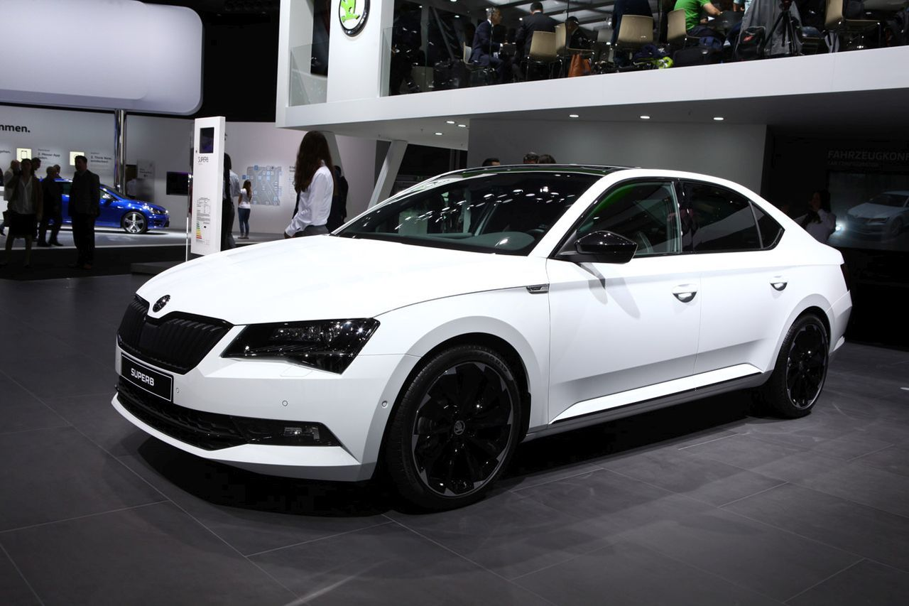 skoda superb sportline 2016 une limousine bodybuild e l 39 argus. Black Bedroom Furniture Sets. Home Design Ideas