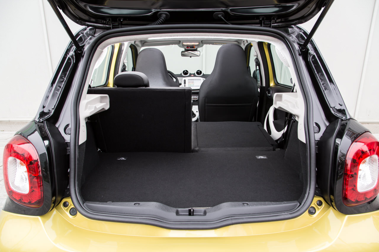 essai comparatif smart forfour ii vs renault twingo iii photo 76 l 39 argus. Black Bedroom Furniture Sets. Home Design Ideas
