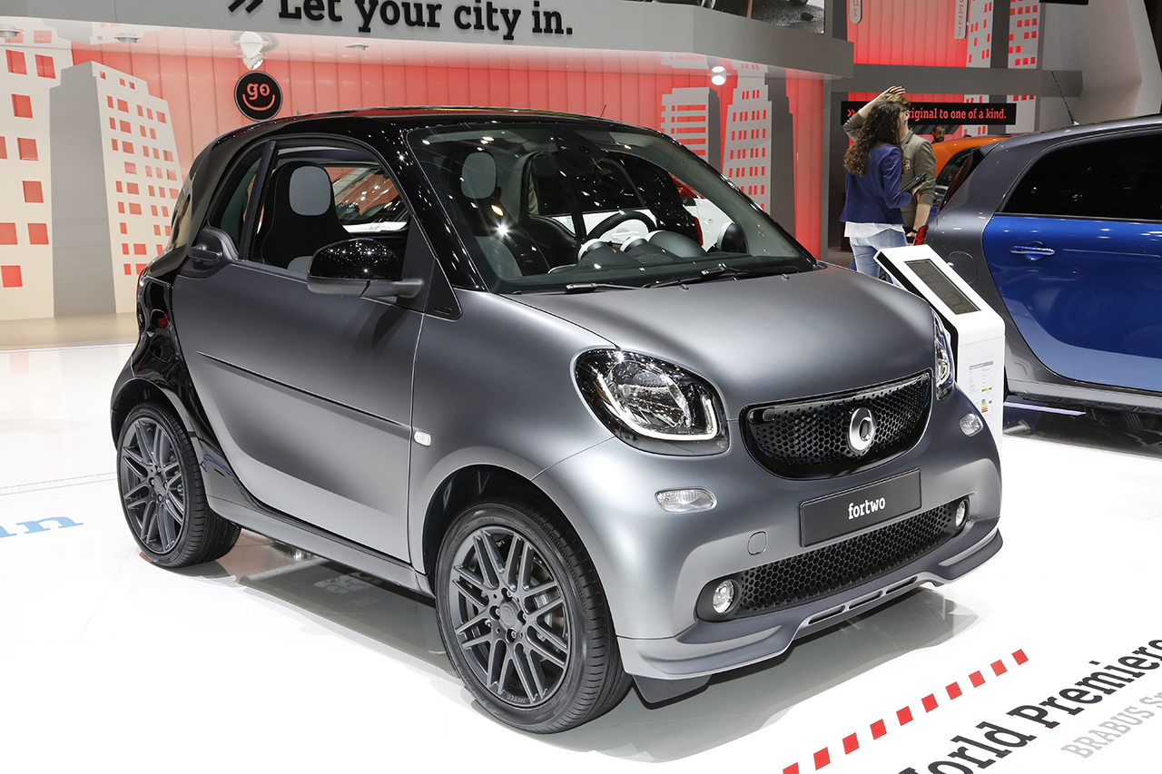 smart fortwo un nouveau pack sport brabus d voil gen ve l 39 argus. Black Bedroom Furniture Sets. Home Design Ideas