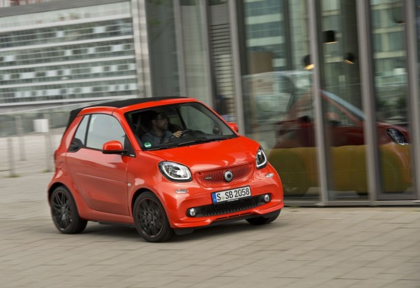 essai smart fortwo cabrio brabus 2016 m chamment m re l 39 argus. Black Bedroom Furniture Sets. Home Design Ideas