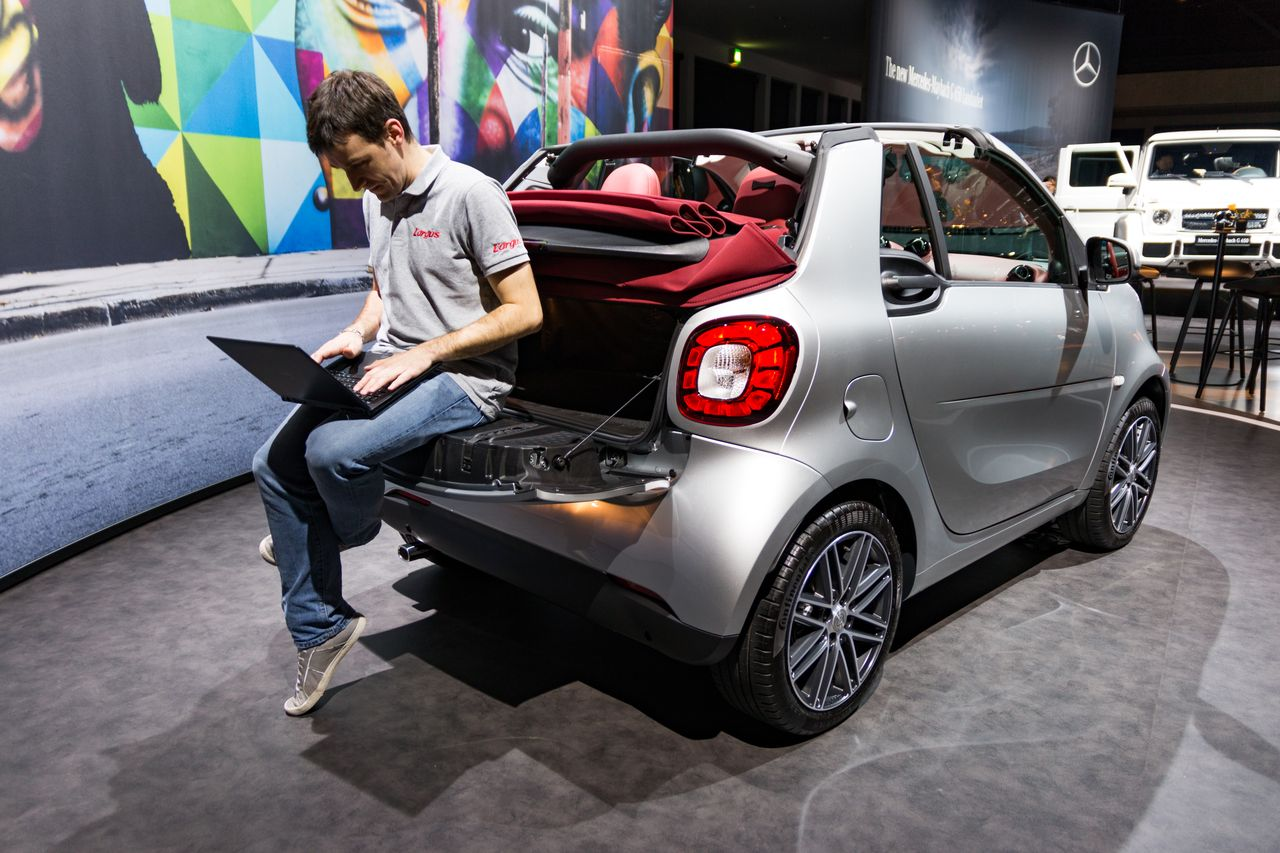 Smart Fortwo Brabus edition #2 : cousue de fil rouge