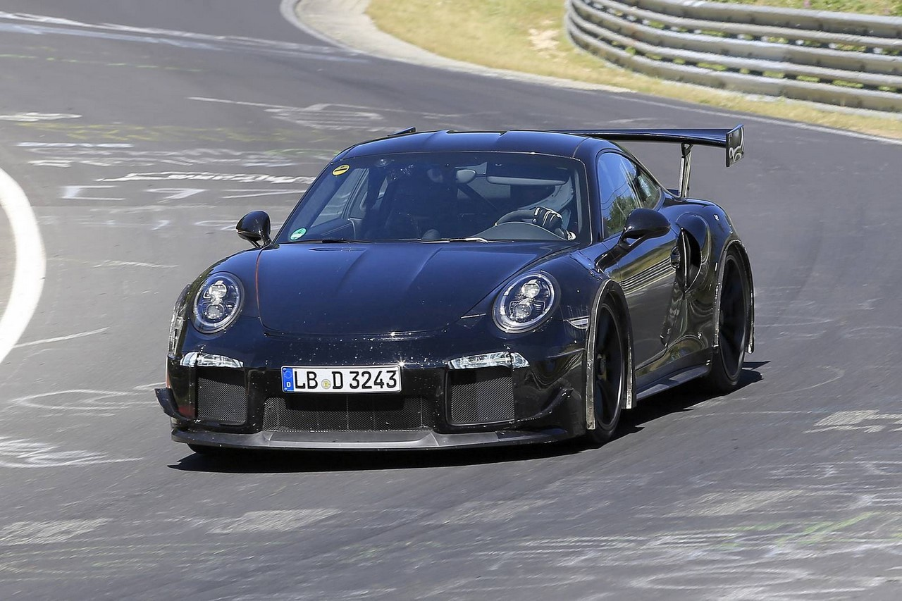spyshots porsche 911 gt2 rs 2017 en vid o sur le n rburgring l 39 argus. Black Bedroom Furniture Sets. Home Design Ideas